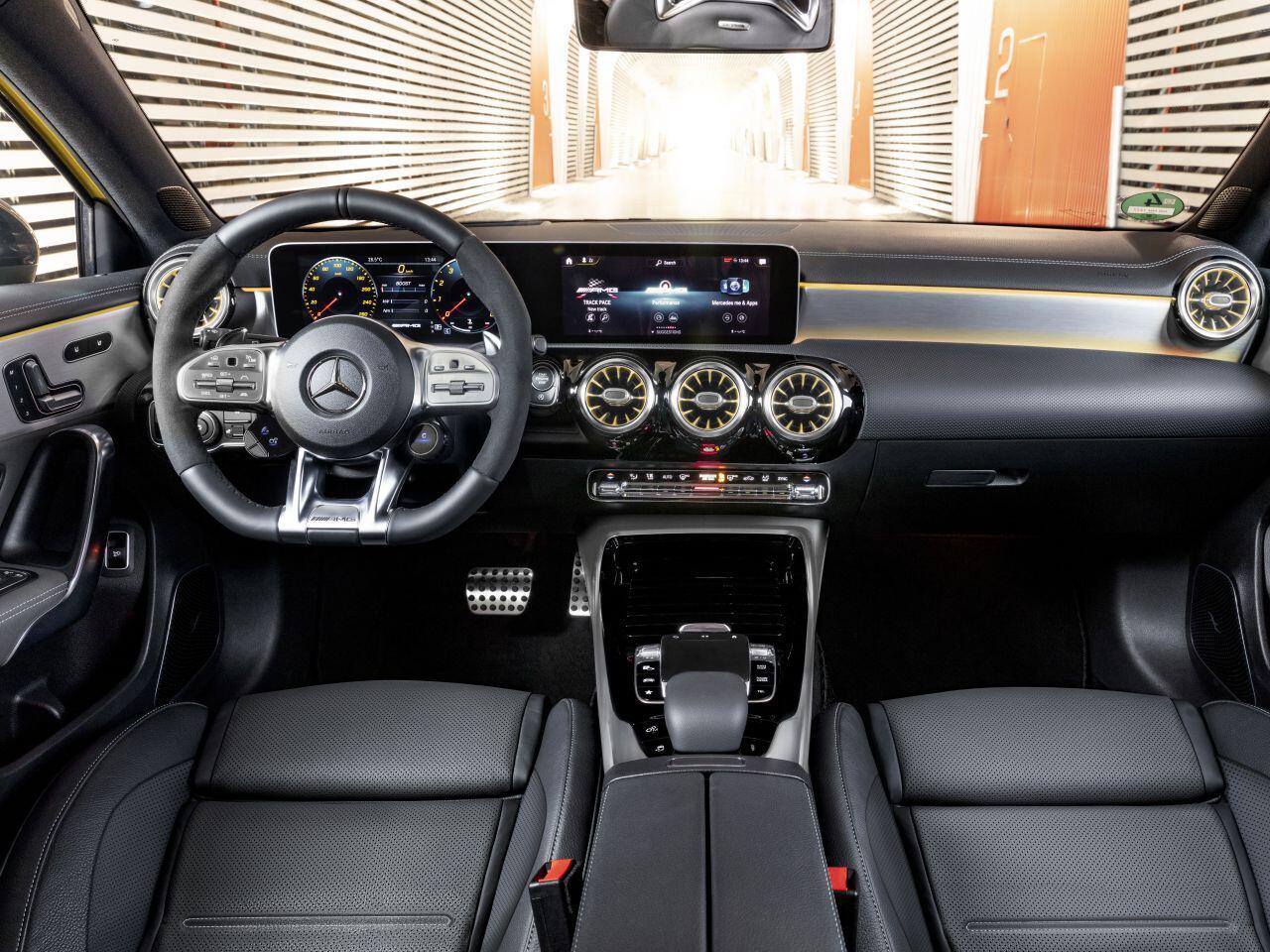 Bild zu Neue AMG Lenkradgeneration