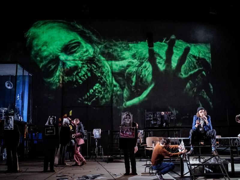 Bild zu «Fear» an der Schaubühne