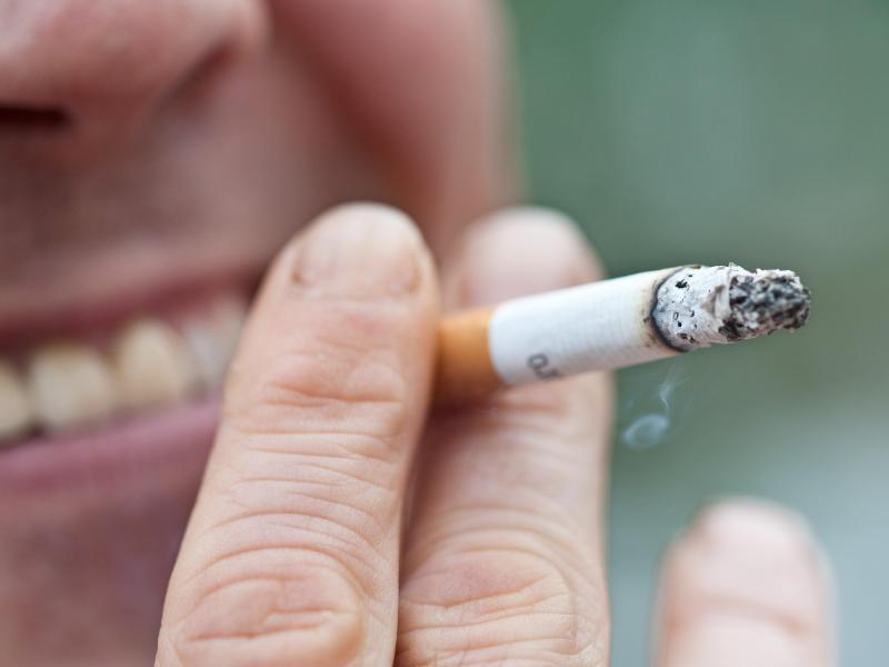 Bild zu Zahnverlust durch Rauchen