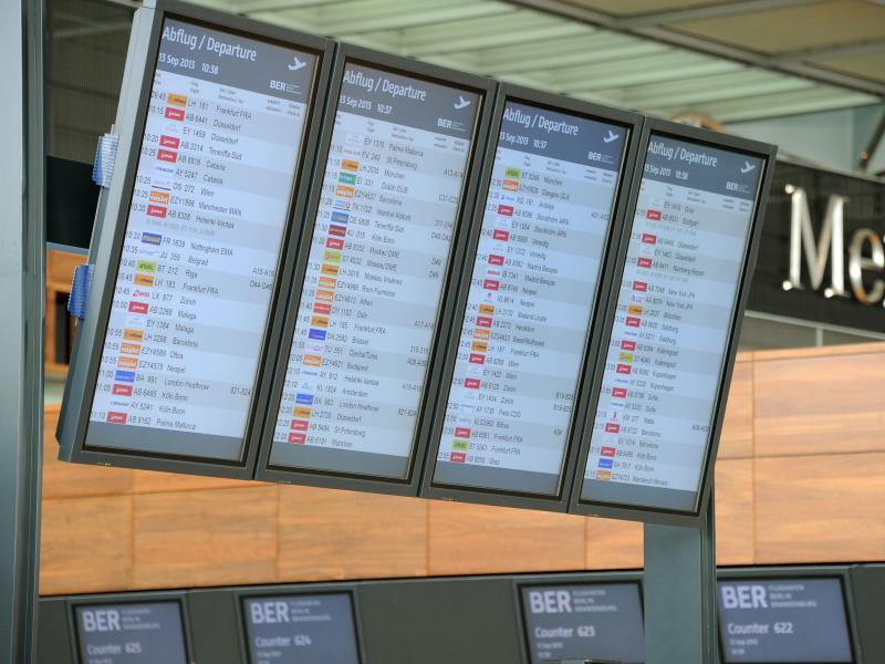 Bild zu Flughafen BER - Monitore