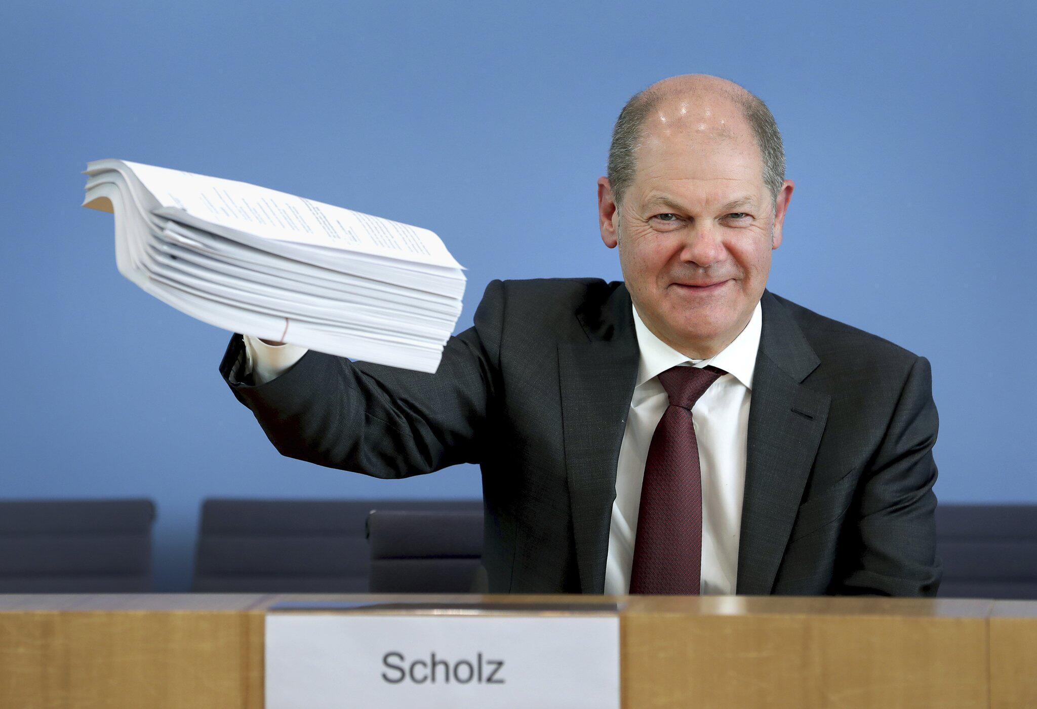 Bild zu Coronavirus - Pressekonferenz Scholz und Altmaier