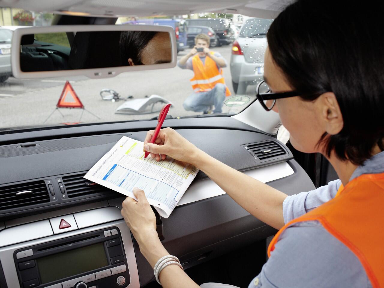 Bild zu Autounfall im Ausland: Den Unfallhergang genau dokumentieren