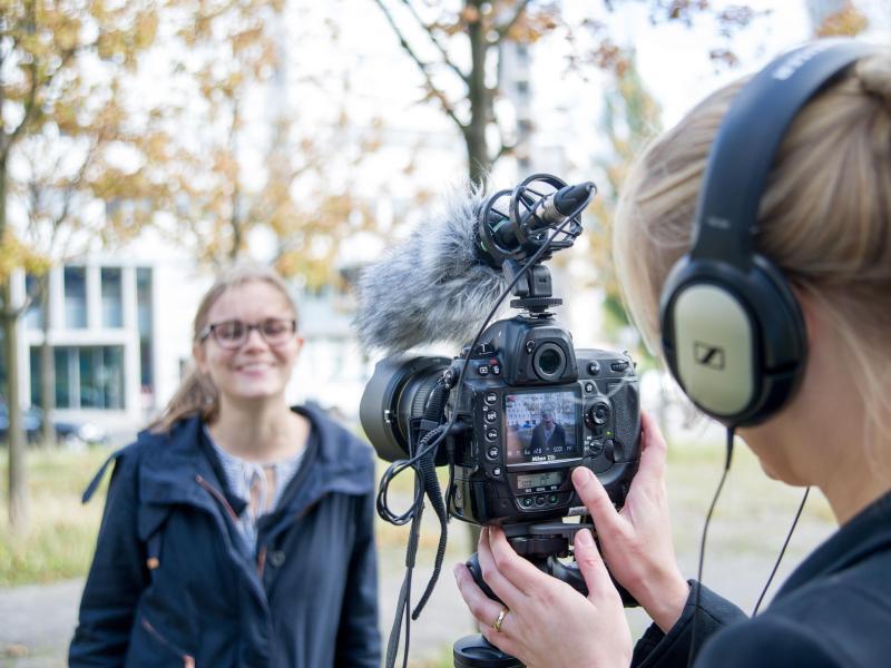 Bild zu Bewegte Bilder mit der Fotokamera