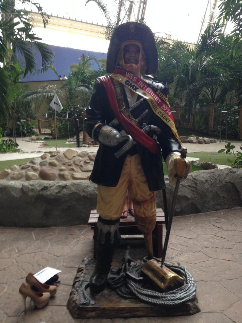 Bild zu Evelyn als Piratin
