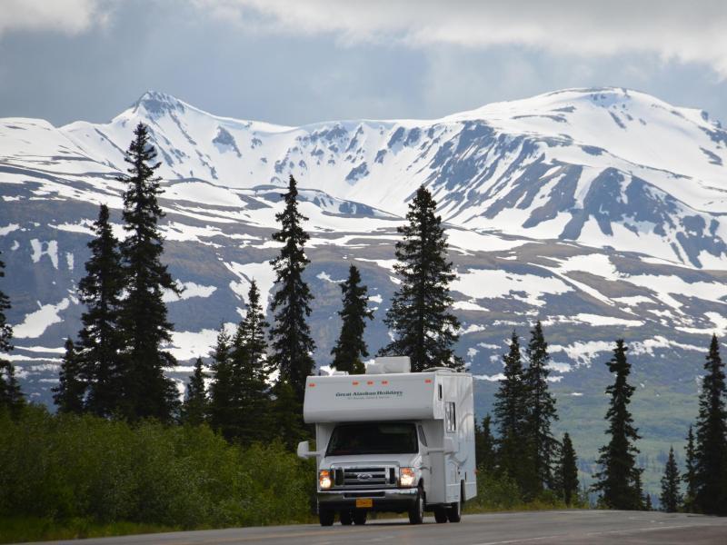 Bild zu Alaska im Wohnmobil erkunden