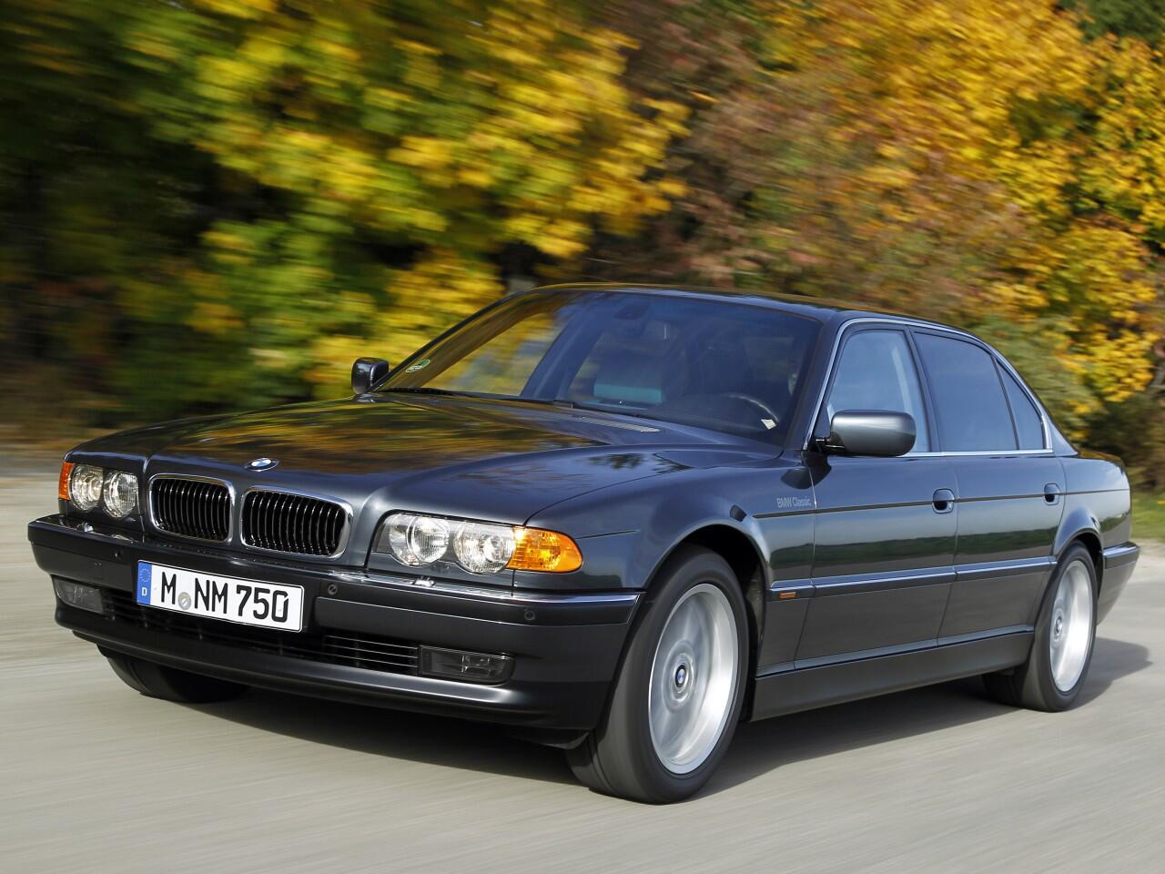 Bild zu Platz 1: BMW 7er (E38)