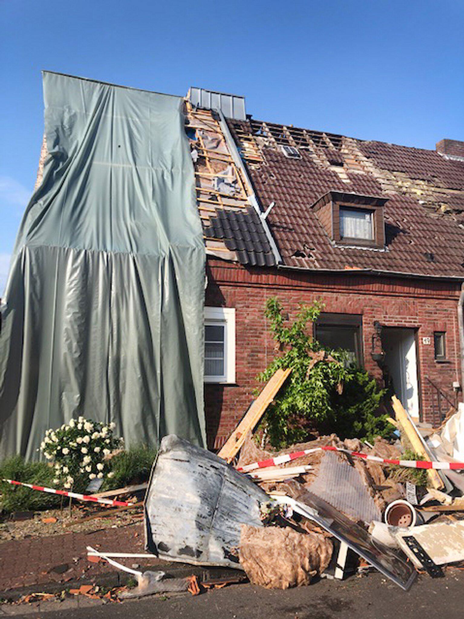 Bild zu Unwetter, Bocholt, Haus, Zerstörung, Wetter, Tornado