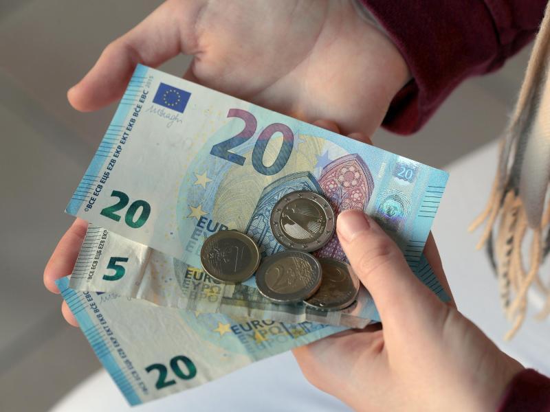 Bild zu Taschengeld für die Enkelin