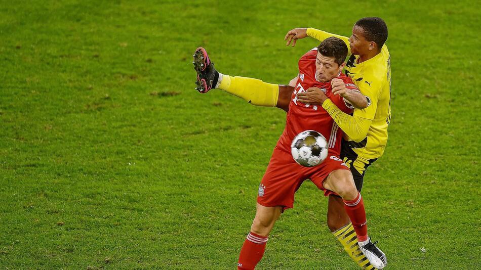 Robert Lewandowski, Manuel Akanji, FC Bayern gegen Borussia Dortmund