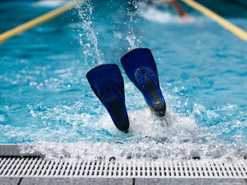 Bild zu Trainieren im Schwimmbad