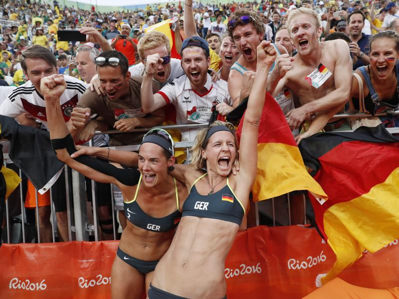Bild zu Beach-Volleyball