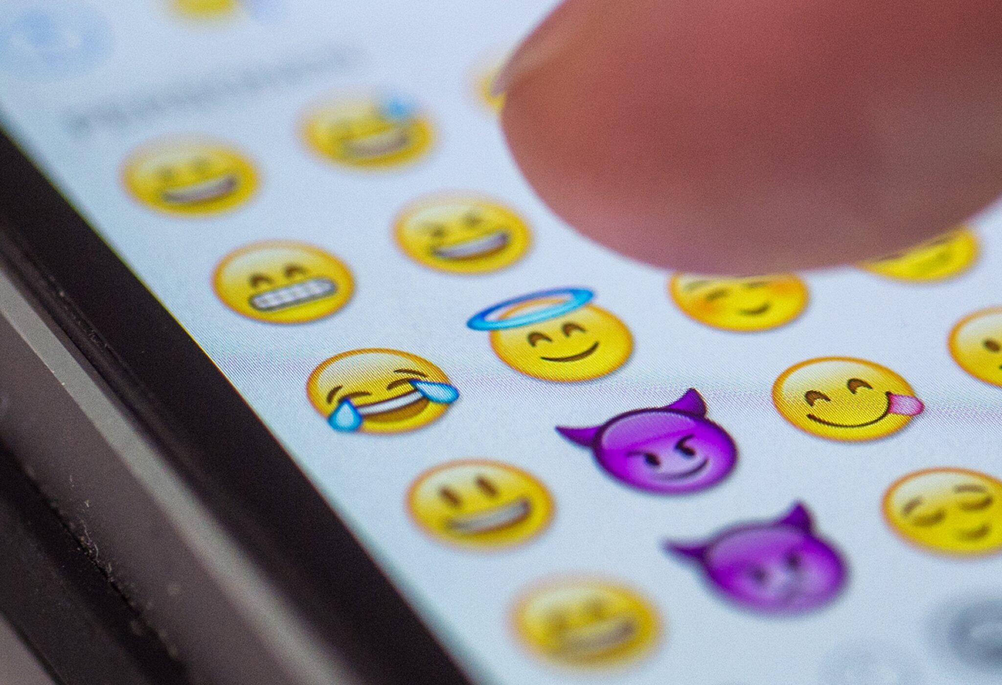 Bild zu Social-Media-Charts 2016 - Freudentränen-Emoji