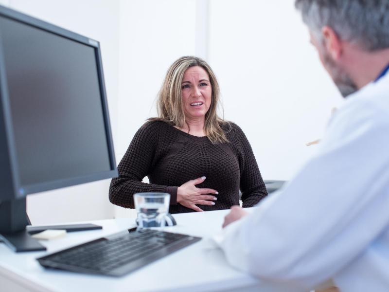 Bild zu Patientin mit Beschwerden im Brustkorb