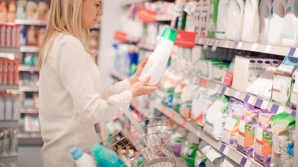 waschmittel, weichspüler, nachhaltigkeit, umwelt schonen, tenside, ökologisch, schadstoffe, waschen