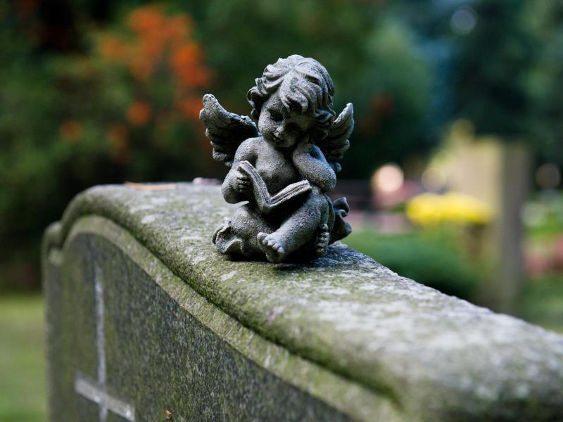 Bild zu Grabstein auf einem Friedhof