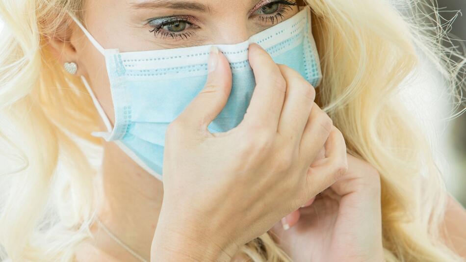 Mundschutz und Make-up: Tipps zum Schminken für Maskenträger