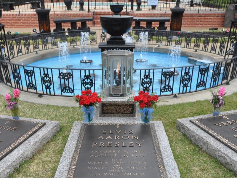 Bild zu Elvis Presleys Grab