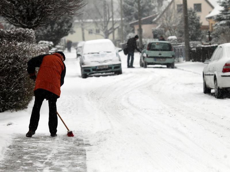 Bild zu Schneeräumen
