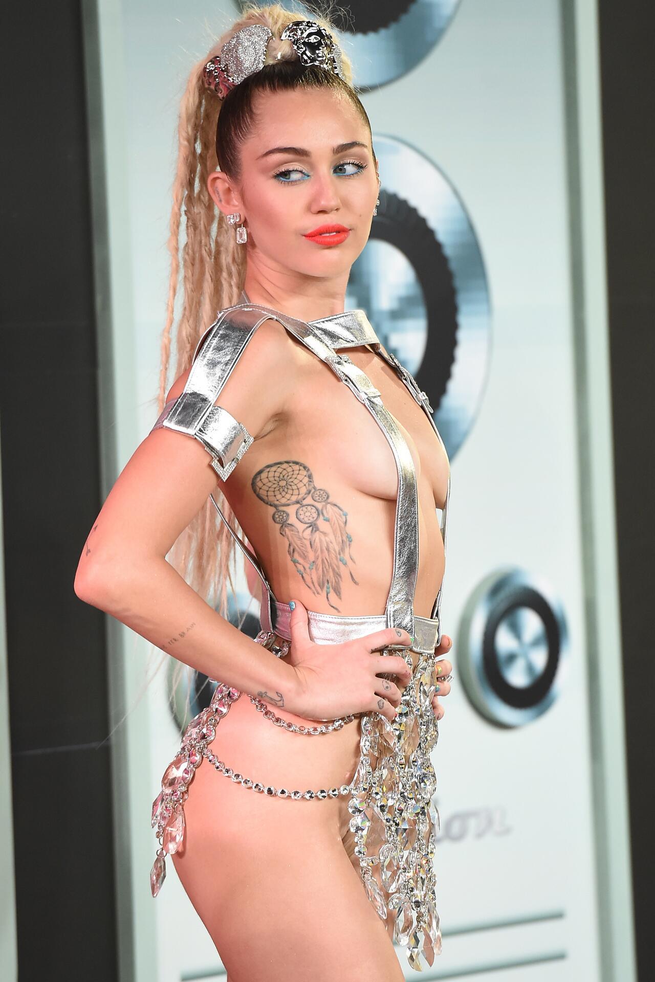 Bild zu Miley Cyrus, MTV Video Music Awards, 2015