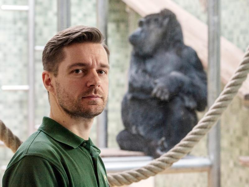 Bild zu Wenn Menschen im Zoo leben