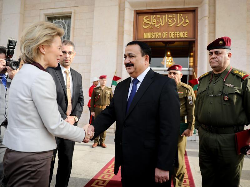 Bild zu Von der Leyen reist in den Irak