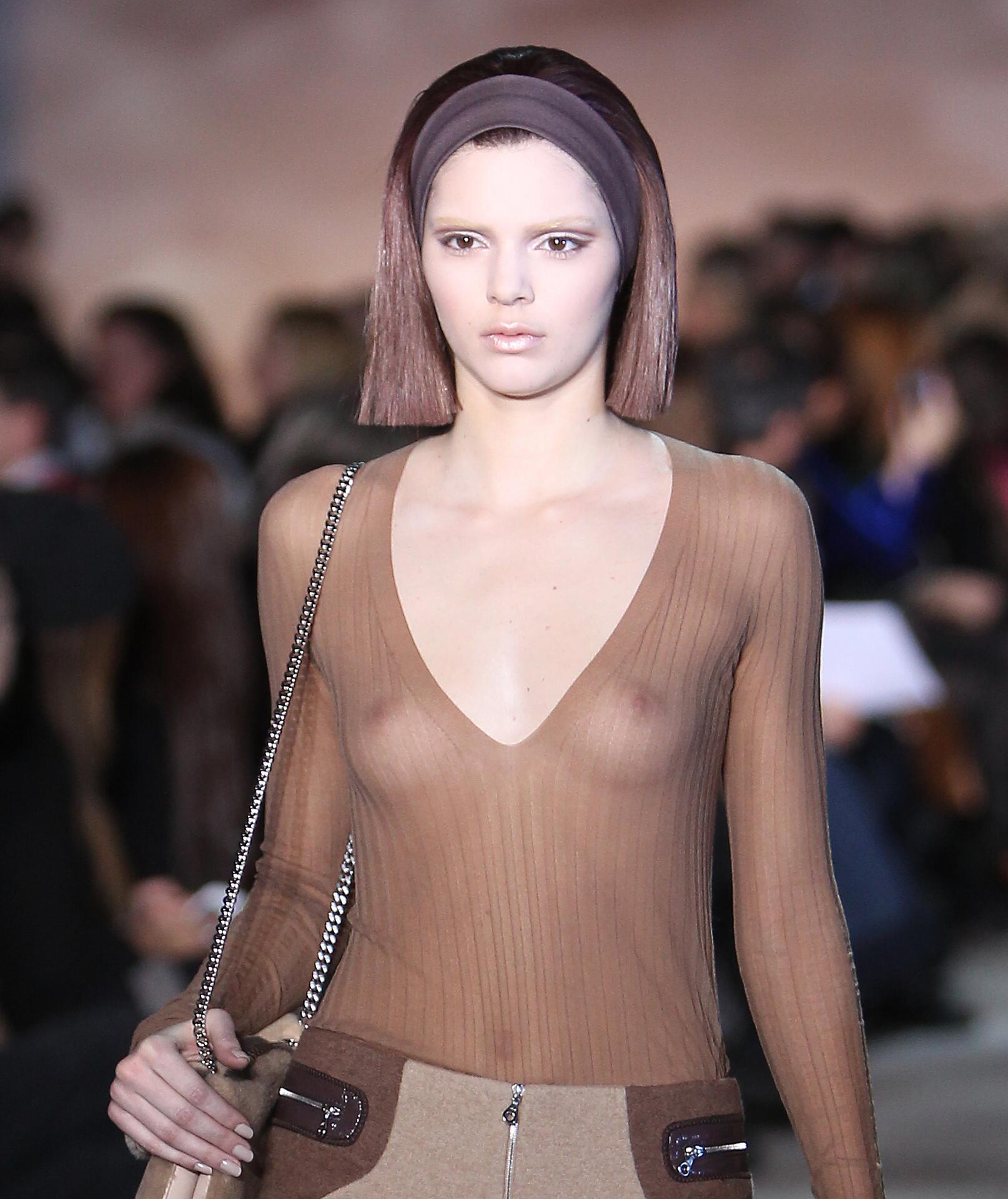 Bild zu Kendall Jenner, sexy, transparent, Nippel, Marc Jacobs