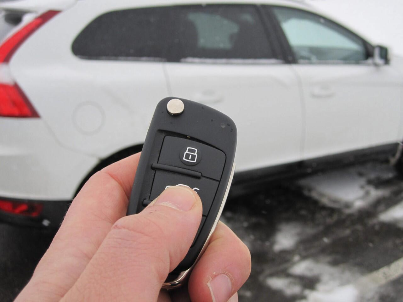 Bild zu Auto verleihen: Zusätzliche Fahrer bei der Versicherung angeben