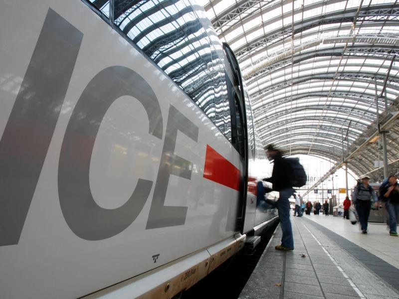 Bild zu ICE im Hauptbahnhof von Frankfurt/Main