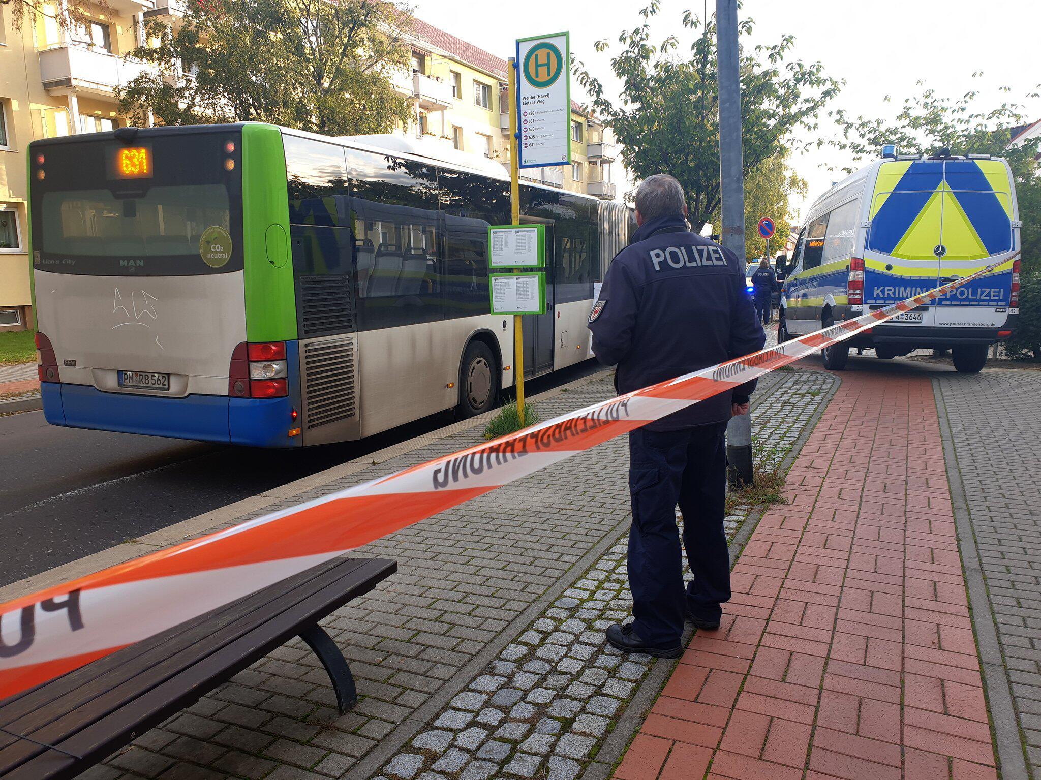 Bild zu Man run over by bus