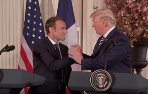 Der Handschlag: Eine aussterbende Geste?