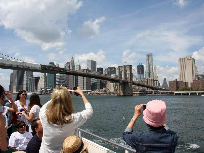 Bild zu Blick auf die Brooklyn Bridge in New York