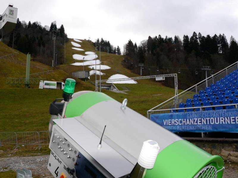 Bild zu Schneemangel in Garmisch
