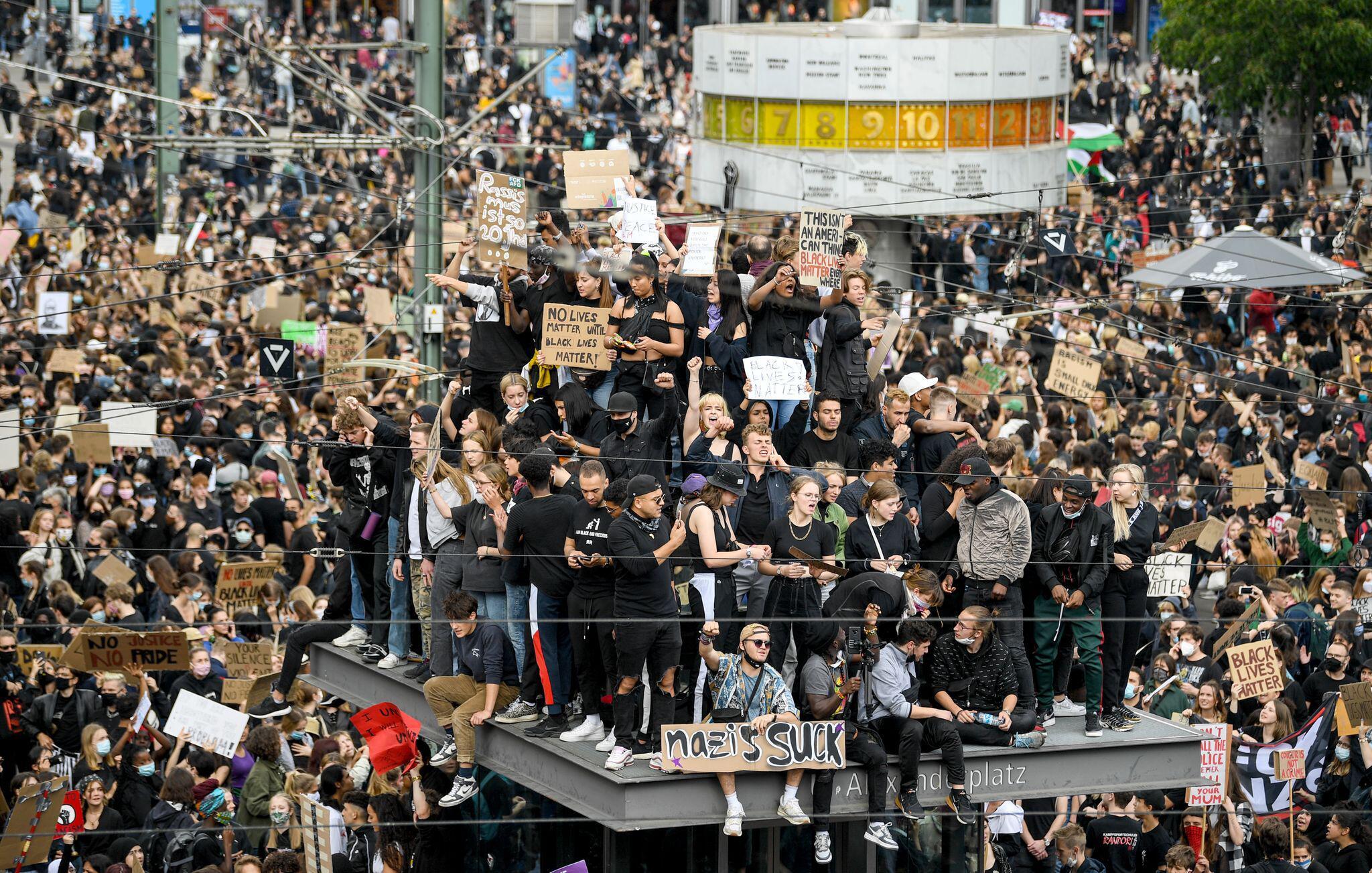 Bild zu Demonstration gegen Rassismus - Berlin
