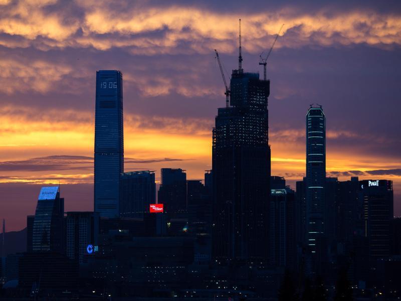 Bild zu Sonnenuntergang über Hongkong
