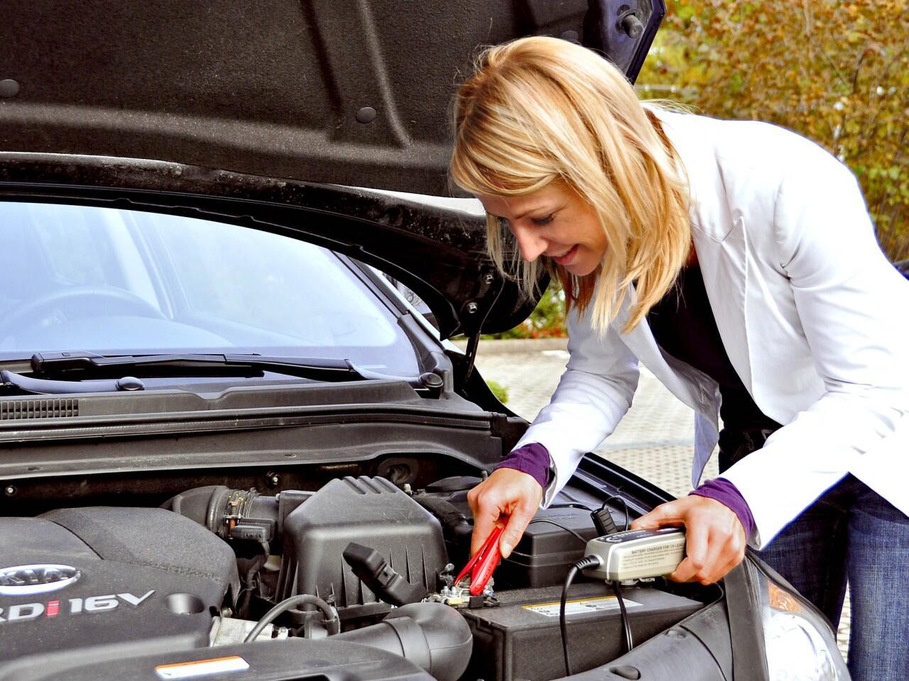 Bild zu Autobatterie wechseln: Mit den richtigen Tipps ganz einfach