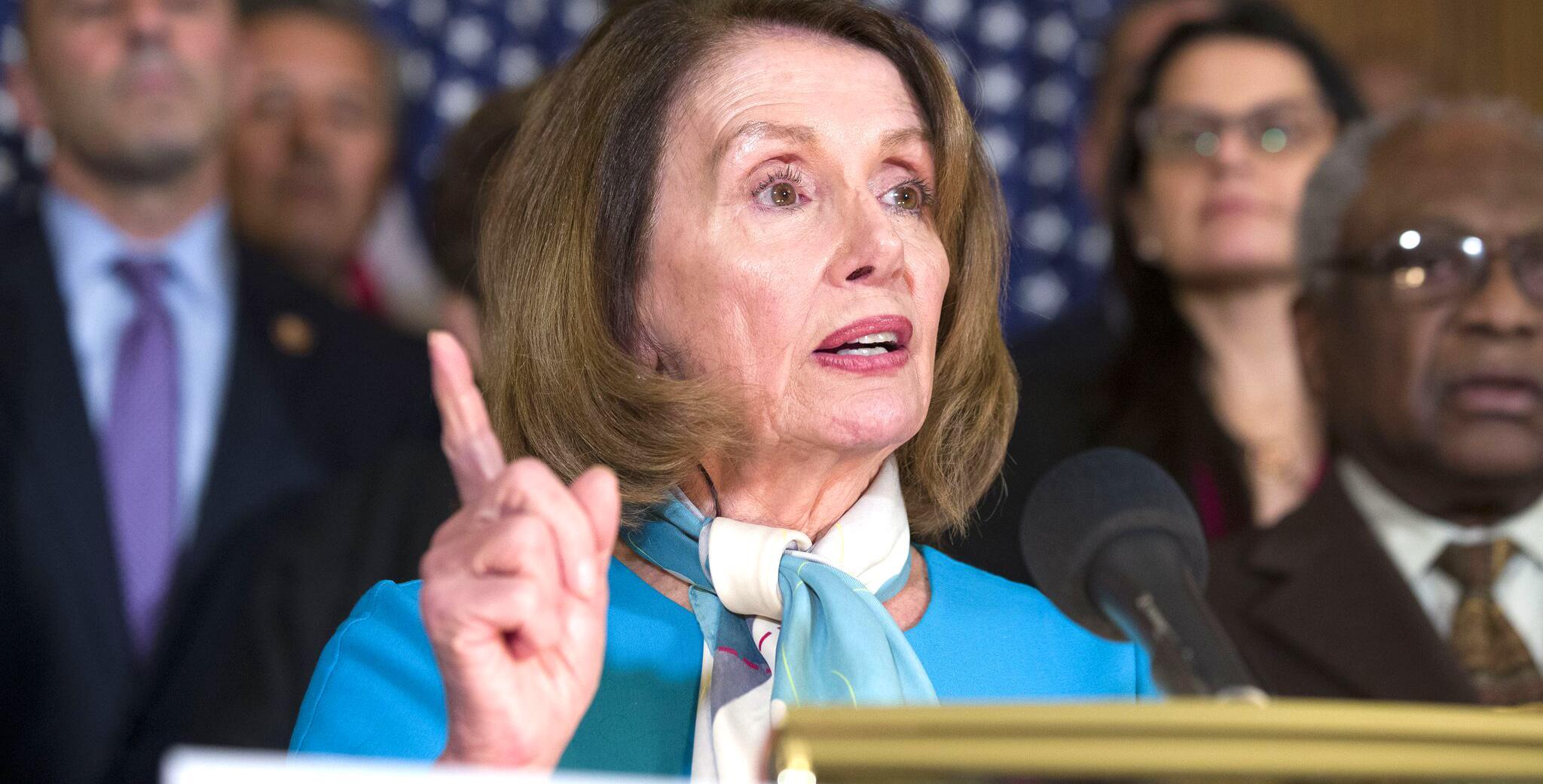 Bild zu Nancy Pelosi - Votum gegen Notstandserklärung