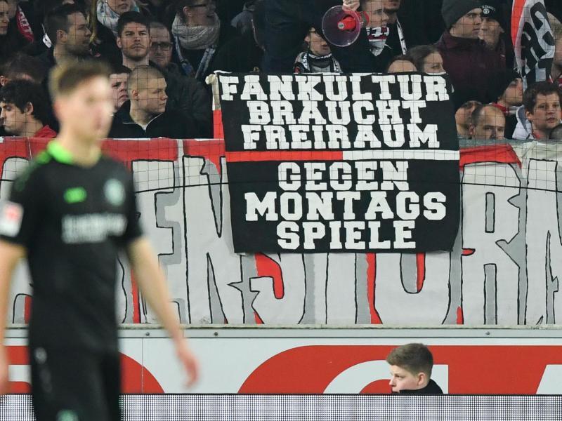 Bild zu Protest gegen Montagsspiele