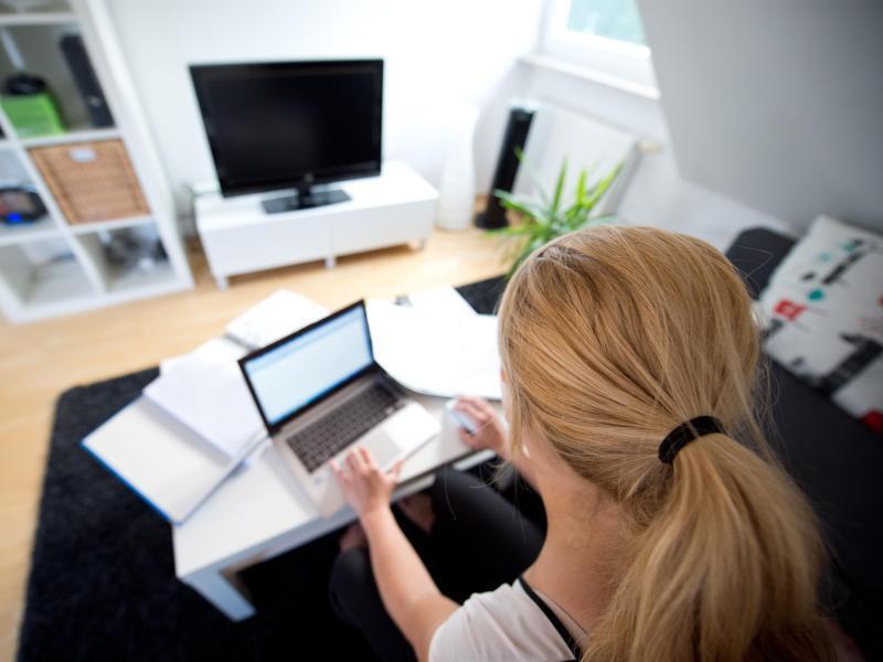 umfrage immer mehr unternehmen bieten homeoffice an web de. Black Bedroom Furniture Sets. Home Design Ideas