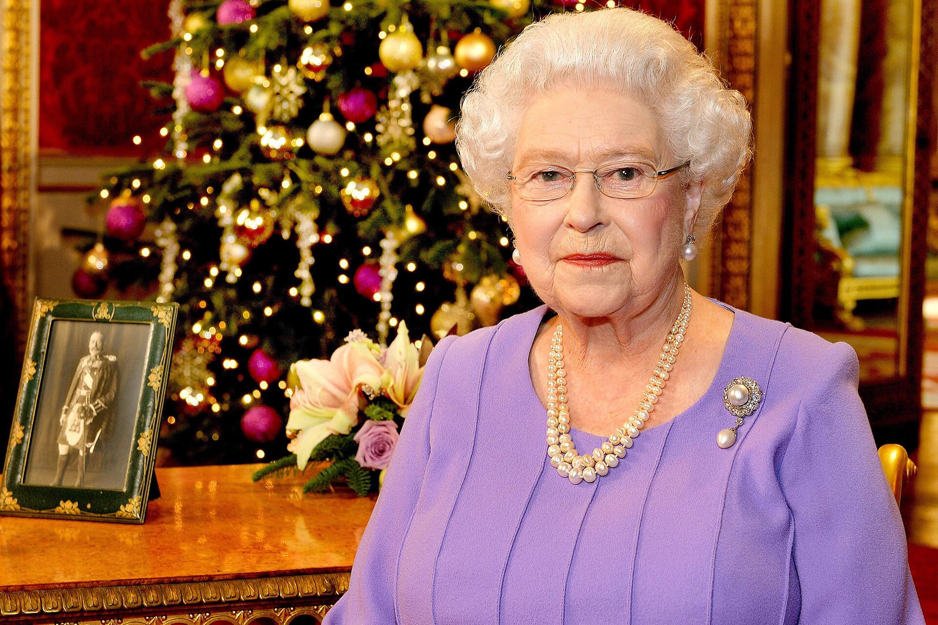 Weihnachten Tradition Überraschende weihnachts-traditionen der britischen royals | web.de