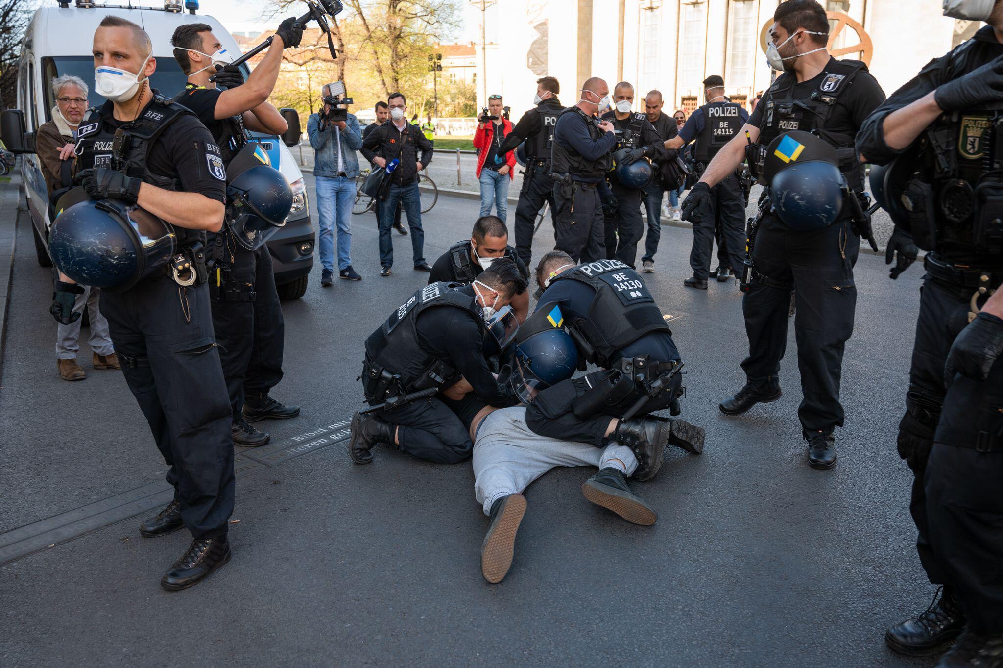 """Bild zu Demonstration """"Nicht ohne uns"""" in Berlin"""