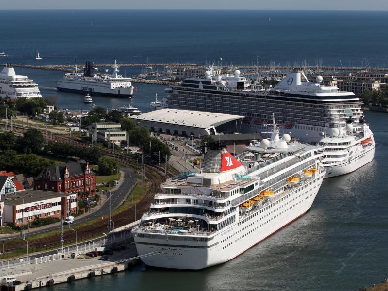 Bild zu Kreuzfahrtschiffe