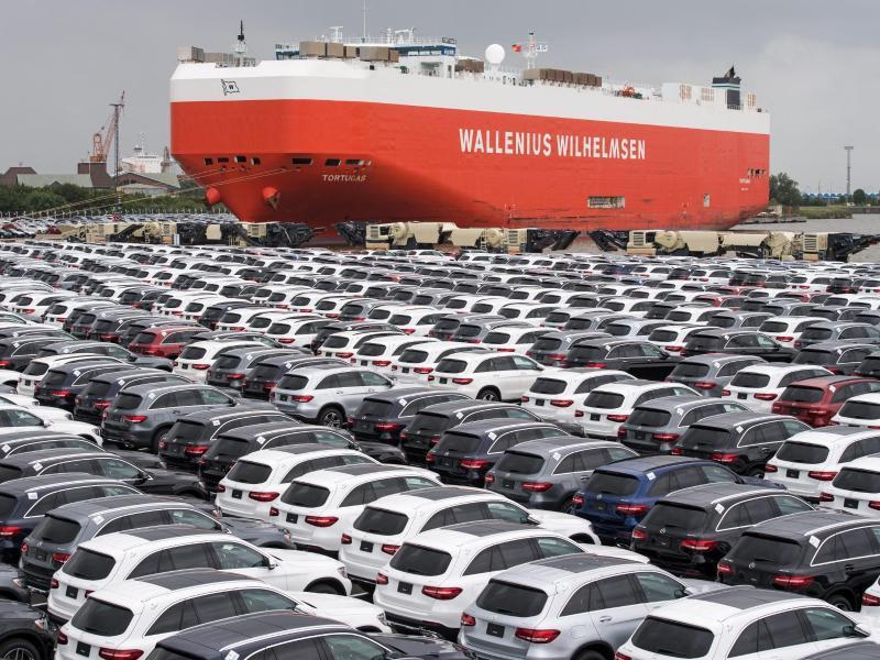 Bild zu Trump droht EU mit Importzöllen