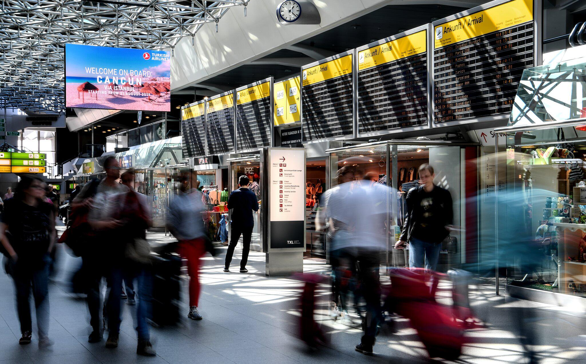 Bild zu Osterreiseverkehr am Flughafen Tegel