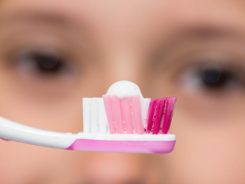 Bild zu Zähne putzen