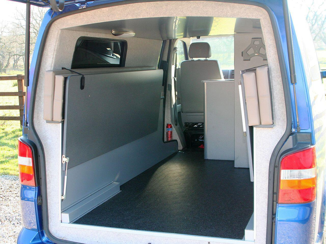 ungew hnlicher umbau der vw t5 doubleback mit extra. Black Bedroom Furniture Sets. Home Design Ideas