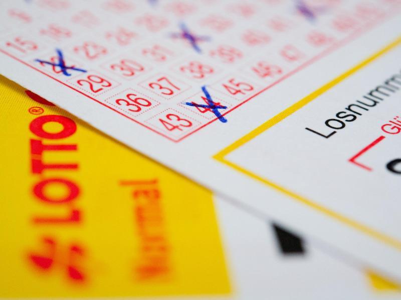 Bild zu Lottoschein