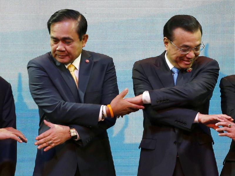 Bild zu Händchen halten