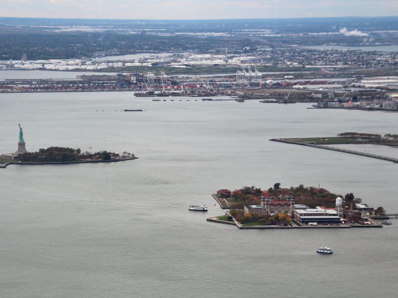 Bild zu Ellis Island aus der Luft