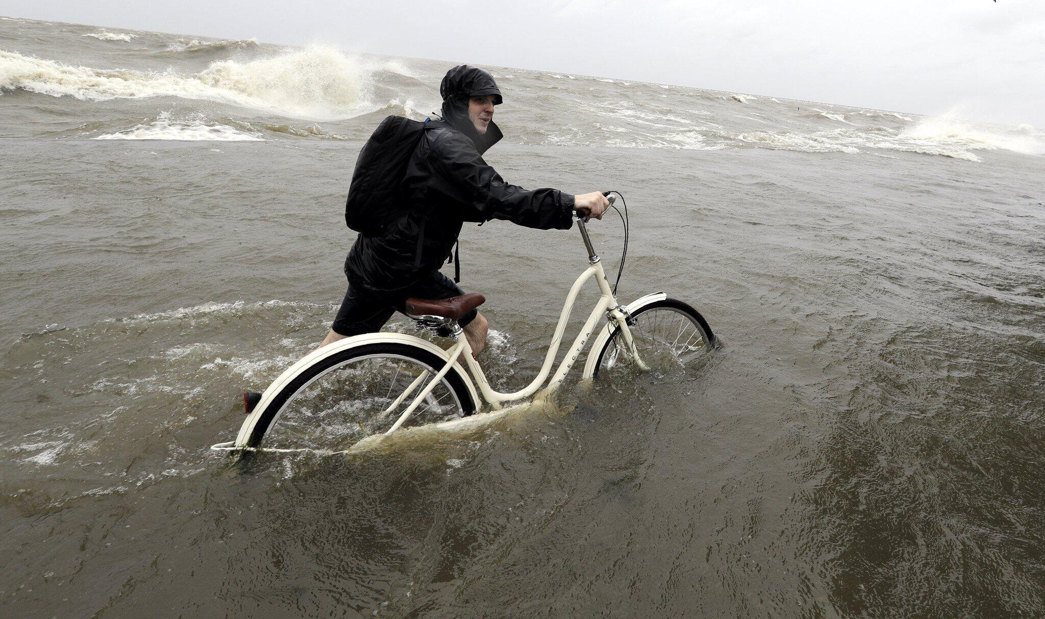 Bild zu Tropensturm Barry