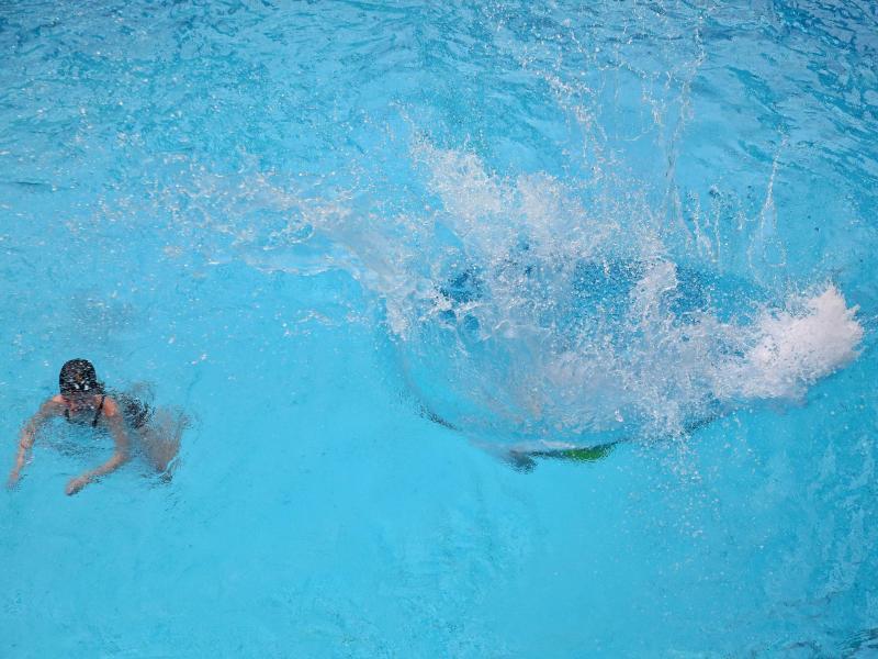 Bild zu Swimmingpool
